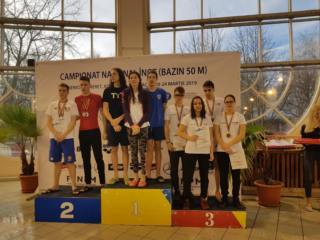 Podium 4x100m Liber Combinat Tineret: locul 1 - Steaua, locul 2 - Steaua, locul 3-CS Aquasport